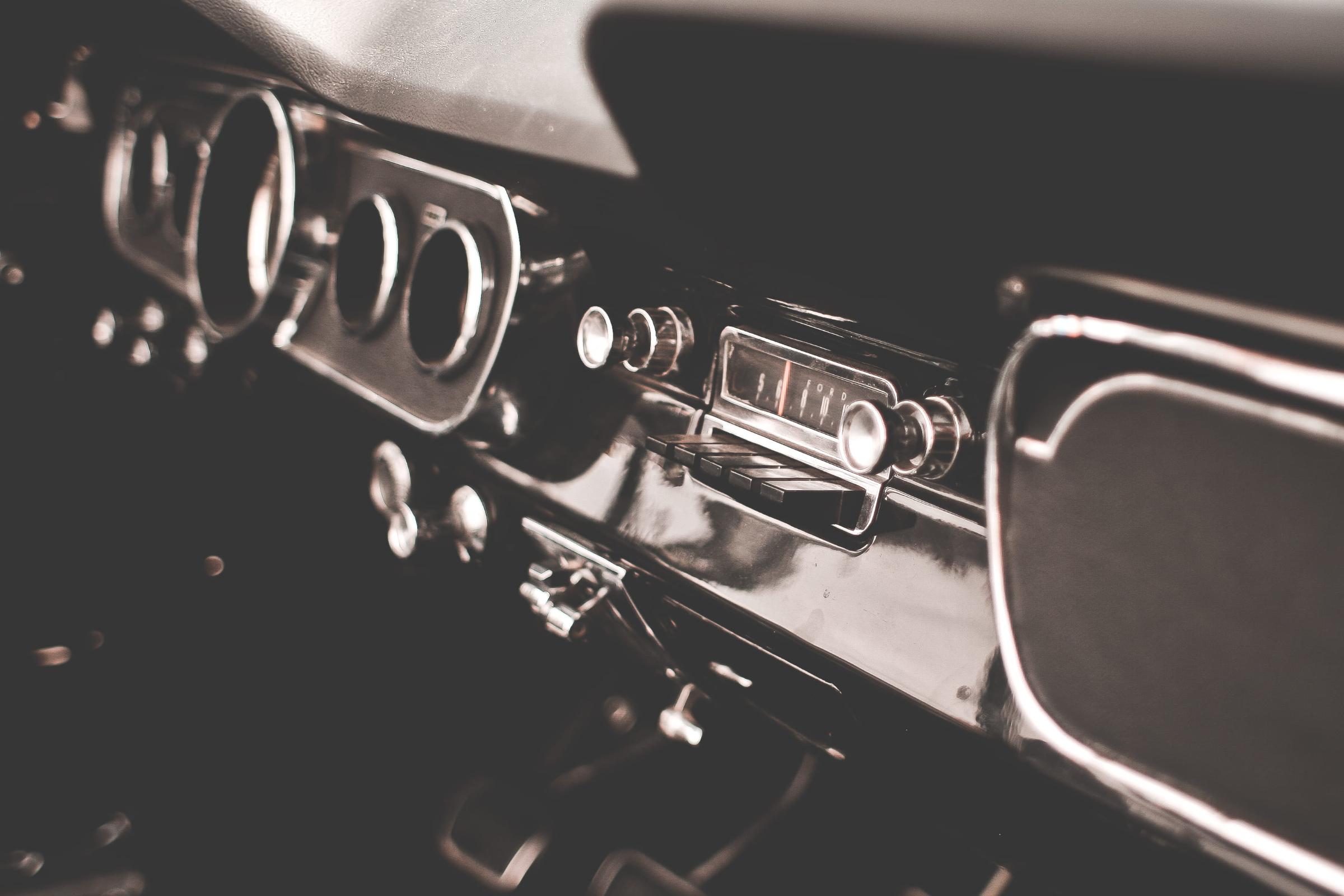 Old music radio